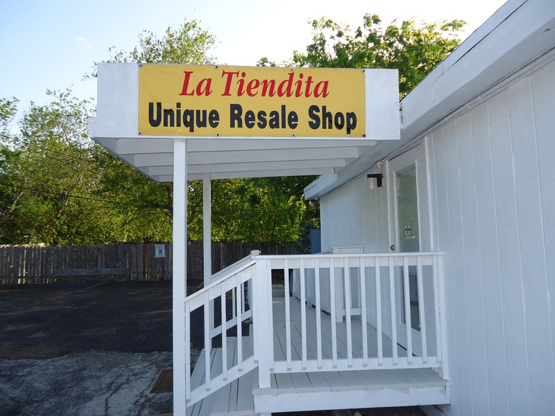 La Tiendita Christian & Resale Shop, 4906 Everhart Rd., Corpus Christi, TX, 78411, USA